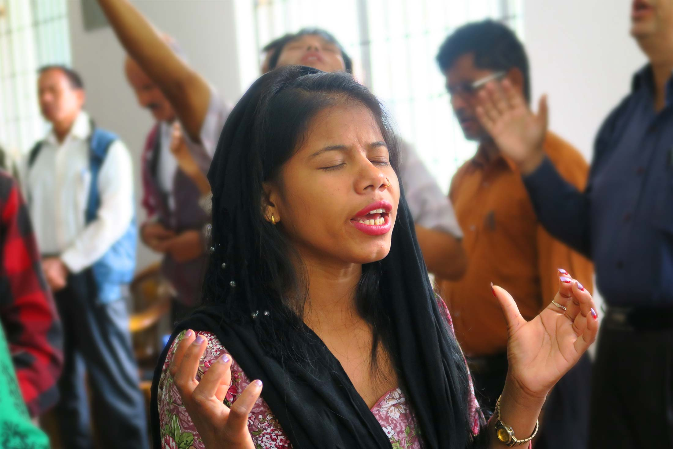 International Mission Ministries, woman praying